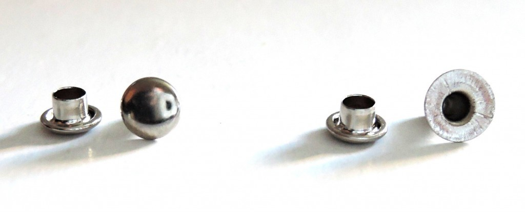 a – closed saddlery rivets, b – open saddlery rivets